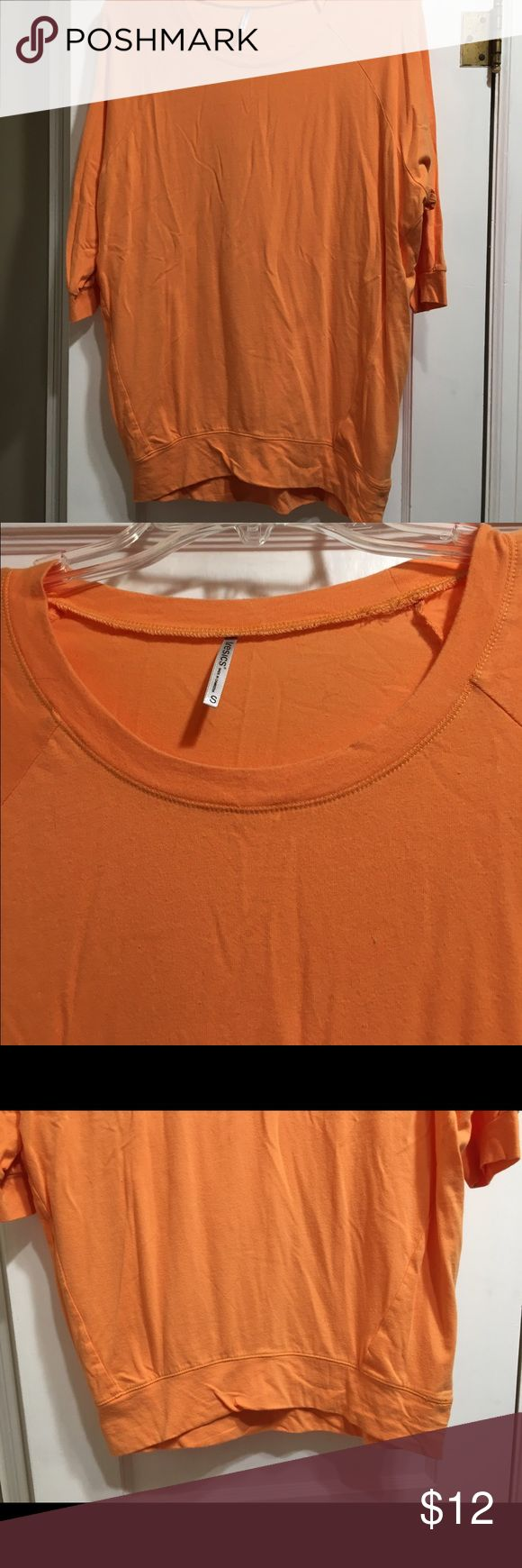 Mint Julep Orange Slouchy Dolman Tunic Small Mint Julep Boutique slouchy Dolman Tunic in orange, generous comfortable Tunic size small, perfect for leggings and a scarf..  3/4 Sleeve.  Very good condition, only wore once, from a smoke free home. 95% cotton 5% spandex. Tresics Tops Tunics