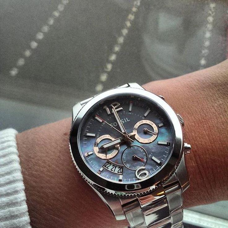 Fossil ES3880 Perfect Boyfriend horloge | Koop uw Fossil horloge online bij Kish.nl. Alle Fossil horloges uit voorraad en GRATIS verzending <EOL>