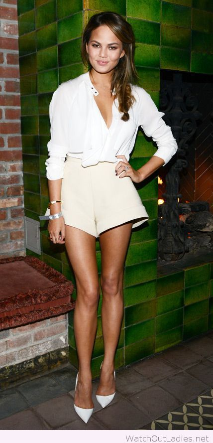 Nude shorts and white shirt / all white / high waisted shorts outfit/ Chrissy Tiegan #chrissytiegen #celebritystyle