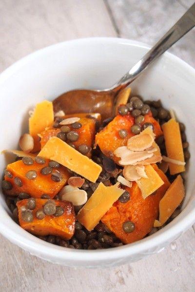 Salade d'automne aux lentilles, butternut rôtie, cheddar et amandes
