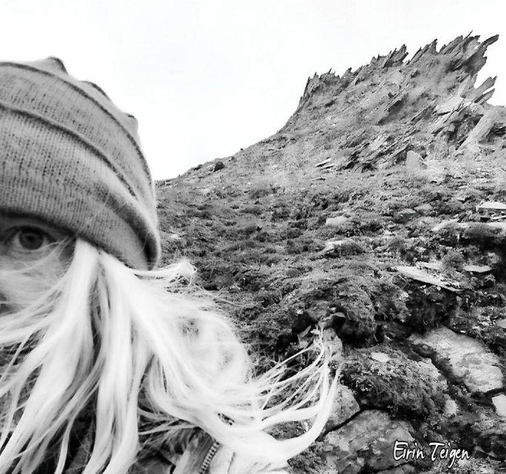 #fjellformasjon #EirinTeigen #nordnorge #utno #utentur #liveterbestute #utpåtur #mittfriluftsliv #norsketurbilder #mountainsofnorway #norwayhike #purenaturepictures #naturehappy #outdoors #northernnorway #norway