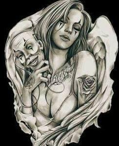 Palhacinha tatuada na rua tocando o terror