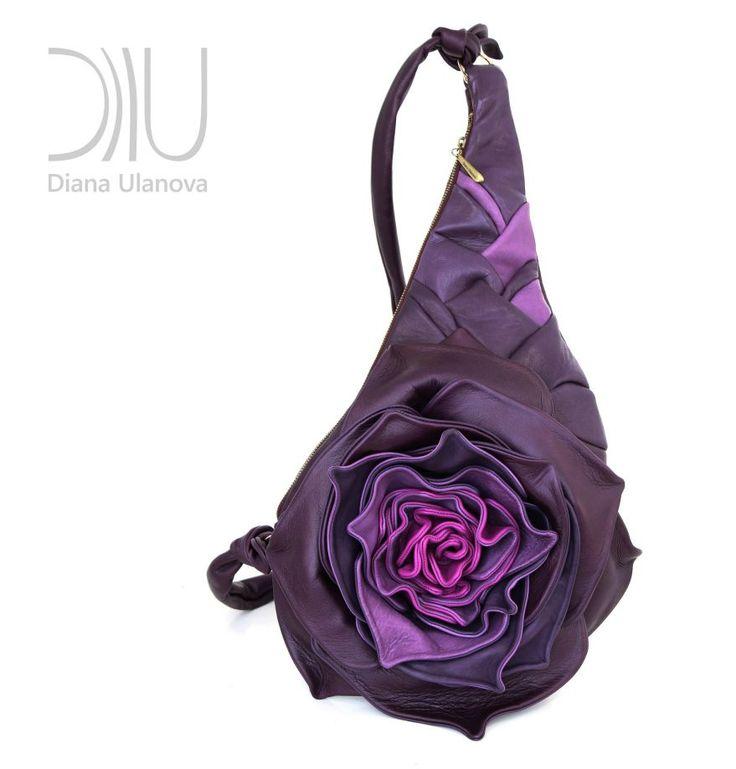 GÜL - DİANA ULANOVA «GÜL»Boyutlar : 68/45/30 cm.Açıklama: Kapasitesi büyük ve rahat bir çanta, içinde.... 303777