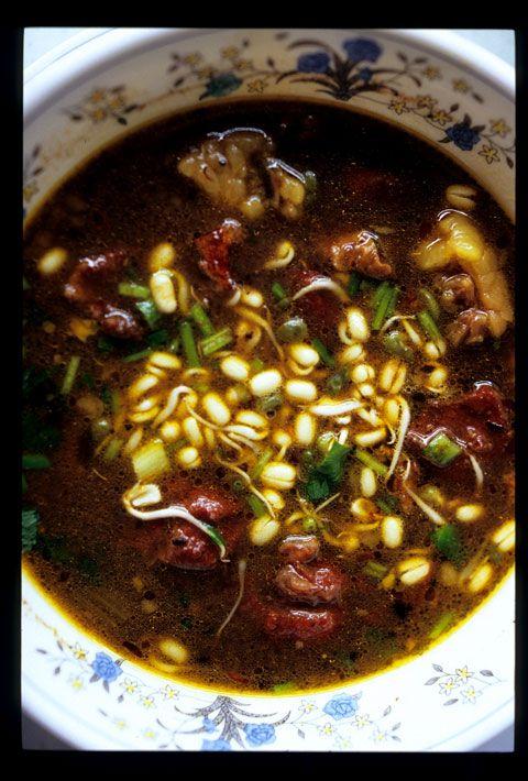Rawon atau nasi rawon (karena selalu disajikan dengan nasi) adalah menu berupa sup daging dengan bumbu khas karena mengandung kluak.