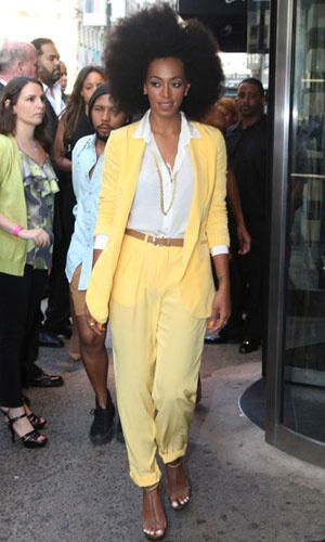 I love Solange's style. She always looks perfect.