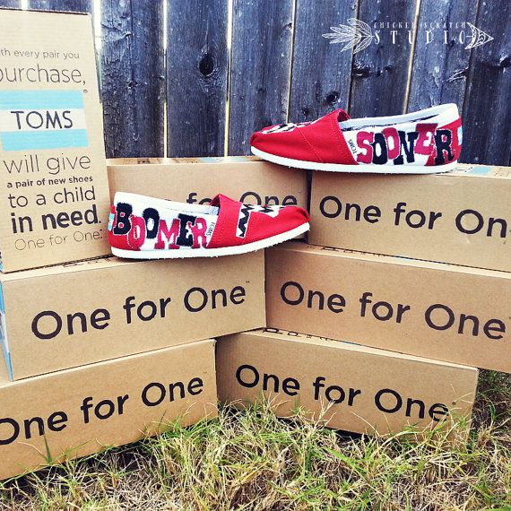 Custom Painted Chevron OU Boomer Sooner TOMS Shoes free
