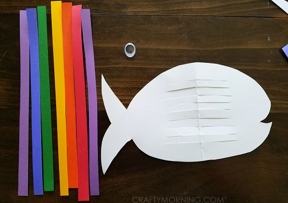 Weaving Rainbow Aug Fish (Kids Craft) - Crafty Morning