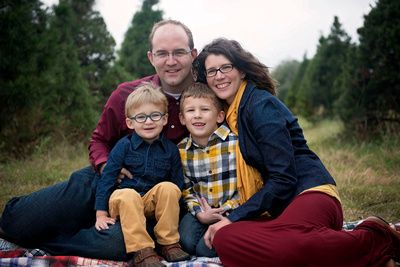 What to wear for family photos and pictures. Navy, yellow and maroon. Fall 2014.