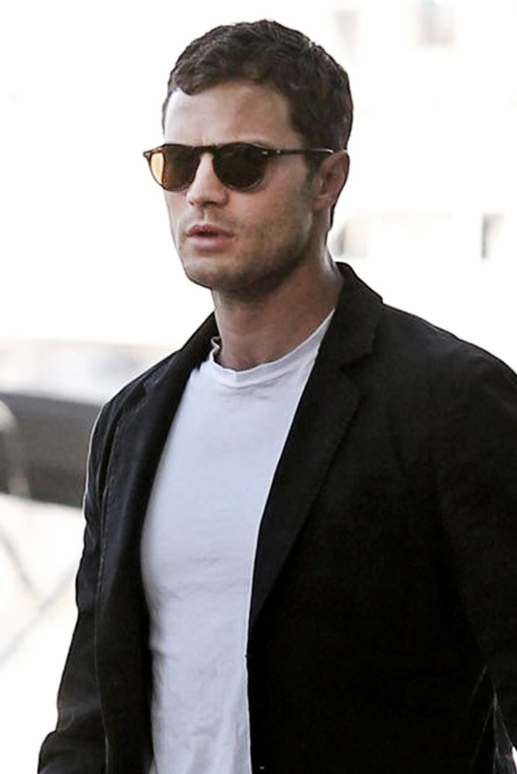 Jamie Dornan out for dinner in Vancouver - 30 May 2016