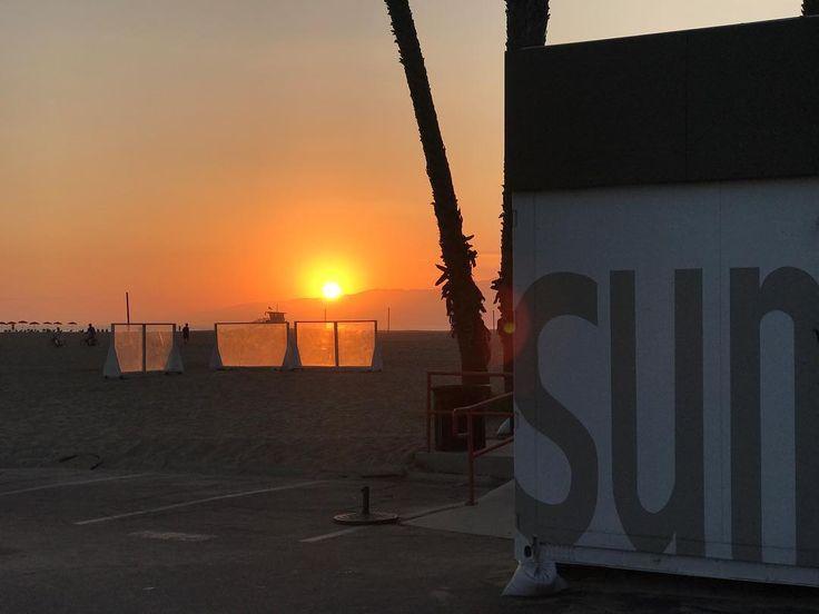 No filter needed Happy Labor Day Weekend   . . . . . . #sunset #sunsets #sunsetporn #sunsetbeach #santamonica #lablogger #travelblogger #trends #trending #trendalert #photooftheday #styleoftheday #stylegram #labloggers #lafashion #lafashionblogger #losangelesblogger  #styleinfluencer #travel #mensblogger #labordayweekend #beachlife #sun