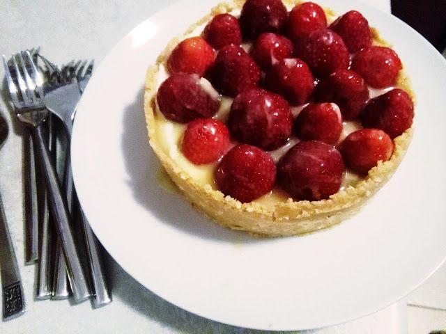 Strawberry cake without baking