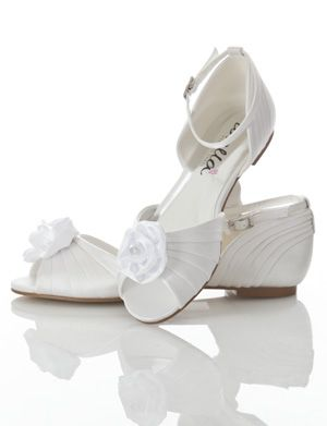 Sussi - flat elegant wedding shoes
