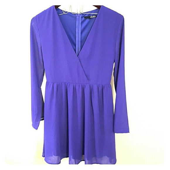 """NEW Lulu's Boutique Dress -Purple -Nwt -size M -100%polyester  -Approx 34"""" -long small bell sleeve Adorable dressed up or down! NEVER WORN! Fit is adorable! Dresses Mini"""