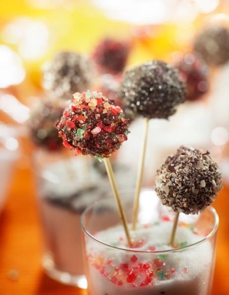 Cake pops eli kakkutikkarit   Amerikka   Pirkka Vadelmahilloa sidosaineeksi