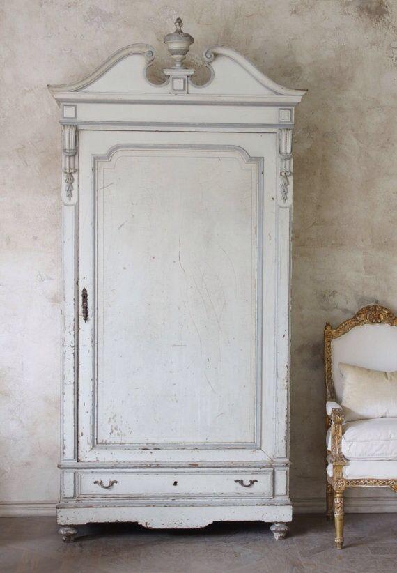 White wardrobe