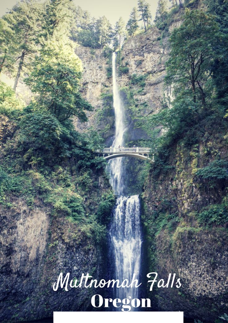 Le long de la vallée Columbia en Oregon : Multnomah Falls