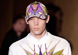 Париж мужской одежды: шляпы: Живанши Парижская Неделя моды мужской одежды весна/лето 2012