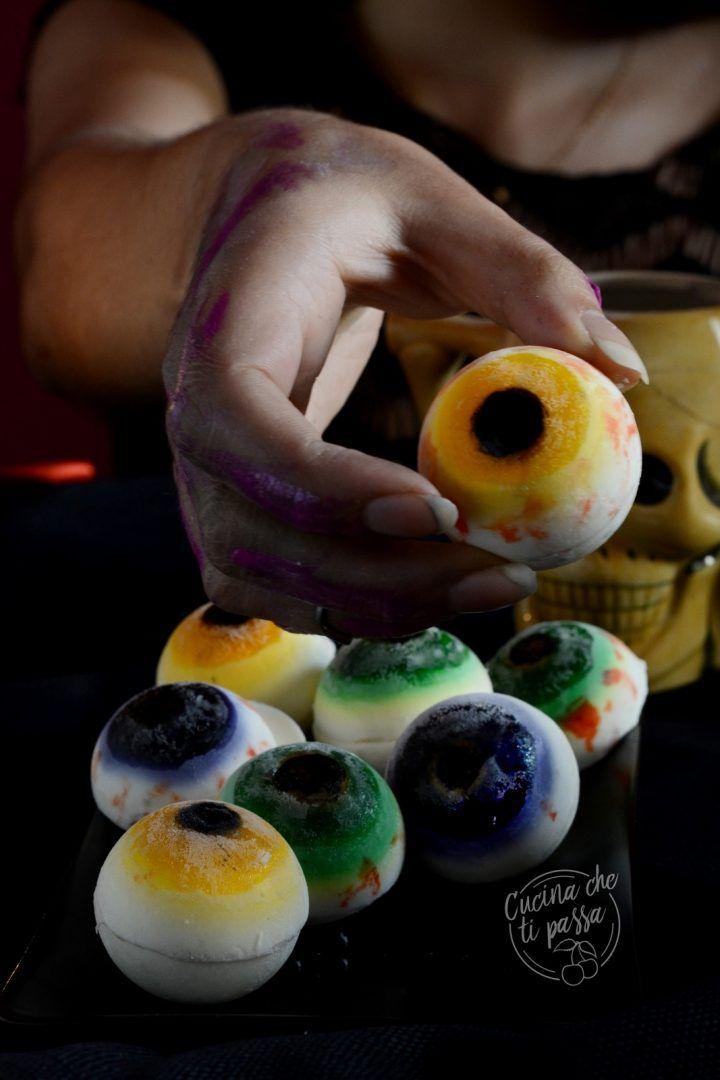 Occhi dolci di Halloween una ricetta da brivido da preparare per stupire  durante una festa. 7a2a6a9e401f