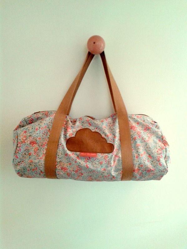 1000 id es sur le th me sac de sport sur pinterest sacs polochons sacs dos et sacs. Black Bedroom Furniture Sets. Home Design Ideas