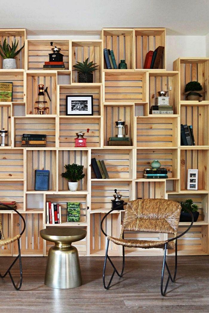 1001 Idees Pour Detourner Une Caisse En Bois Ikea En 2020 Meubles En Caisse Decoration Maison Etagere A Livres En Caisse