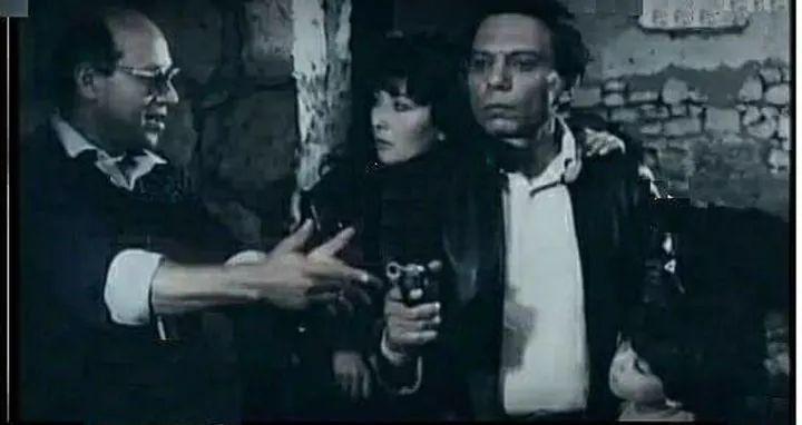 المخرج سمير سيف يوجه عادل امام واثار الحكيم في احدى مشاهد فيلم