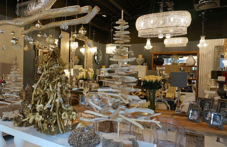 Celebrate Christmas with beautiful table and home decor to create a festive wonderland #festivedecor #ChristmasDecor #christmasiscoming #ChristmasWithIsabelina www.isabelina.co.za