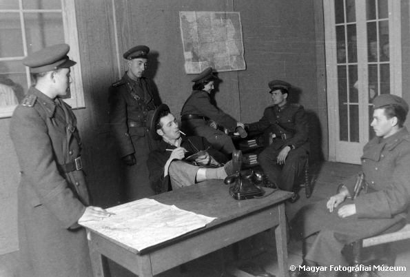 MAGYAR MOZIKLUB: Ávósok - A kommunista párt terrorszervezete 1-2-3....