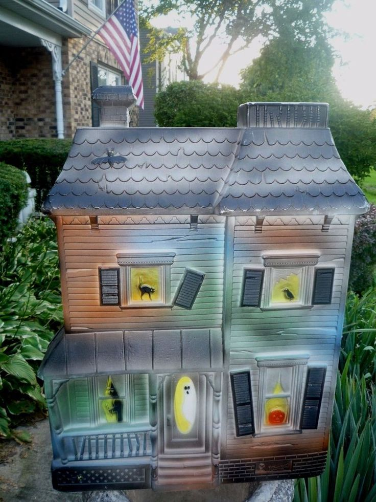 VINTAGE HALLOWEEN HAUNTED HOUSE UNION FEATHERSTONE Designed BLOW MOLD