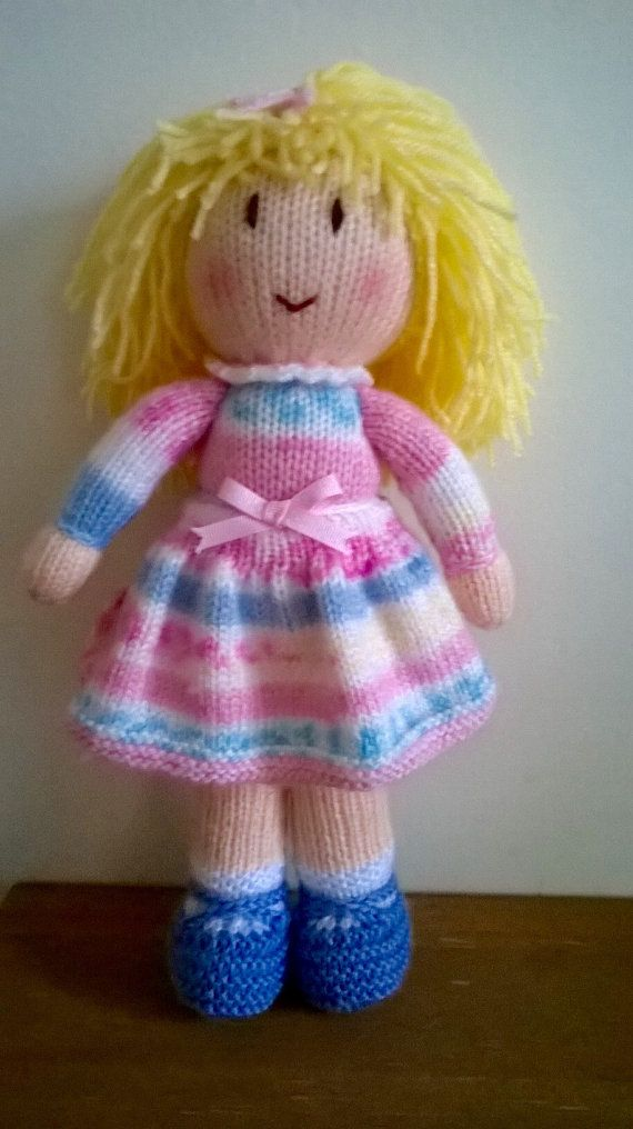 Knitted Baby Bunting Pattern : 17 Best images about Dolls & toys on Pinterest Free pattern, Toys and R...