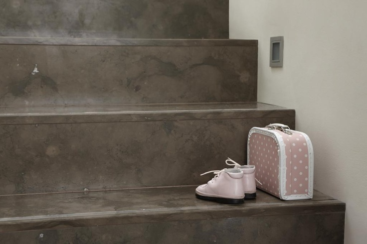 Tulikivi Azul Cascais limestone stairs are sturdy, beautiful to look at and easy to clean. Tulikivi's media