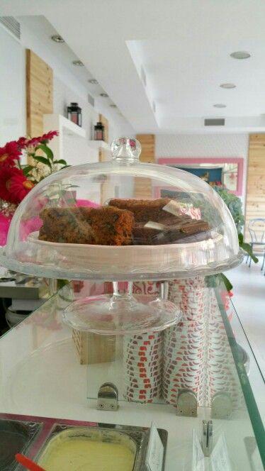 Tarta de zanahiria y tarta de plátano y pepitas de chocolate