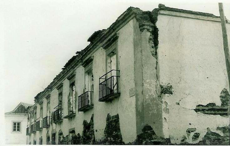 One of the largest and oldest houses in Castro Marim.the family home of the Falcao family.The house is no longer there and the space it once occupied is rough ground used as a car park.