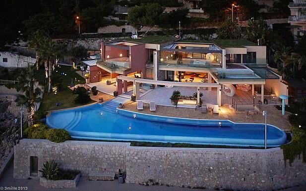 France, Cap d'Ail, 12 pax http://pearlconcierge.pl/property/francja-cap-dail-12-os/