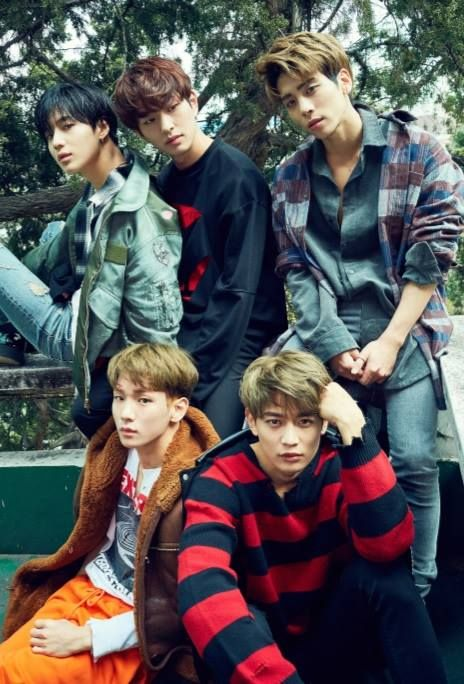 SHINee releases '1 and 1' 5th Repackage Album