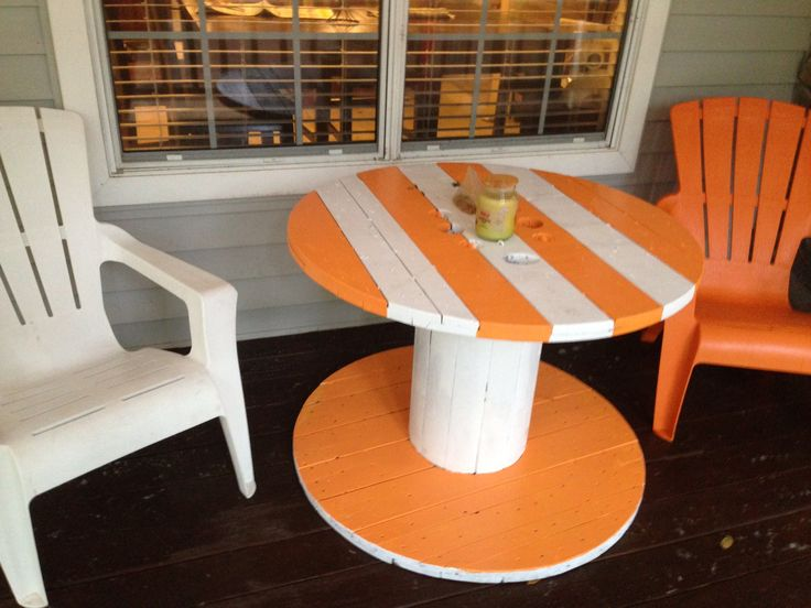 Cable spool. Tennessee volunteers, go ut vols! Outdoor table