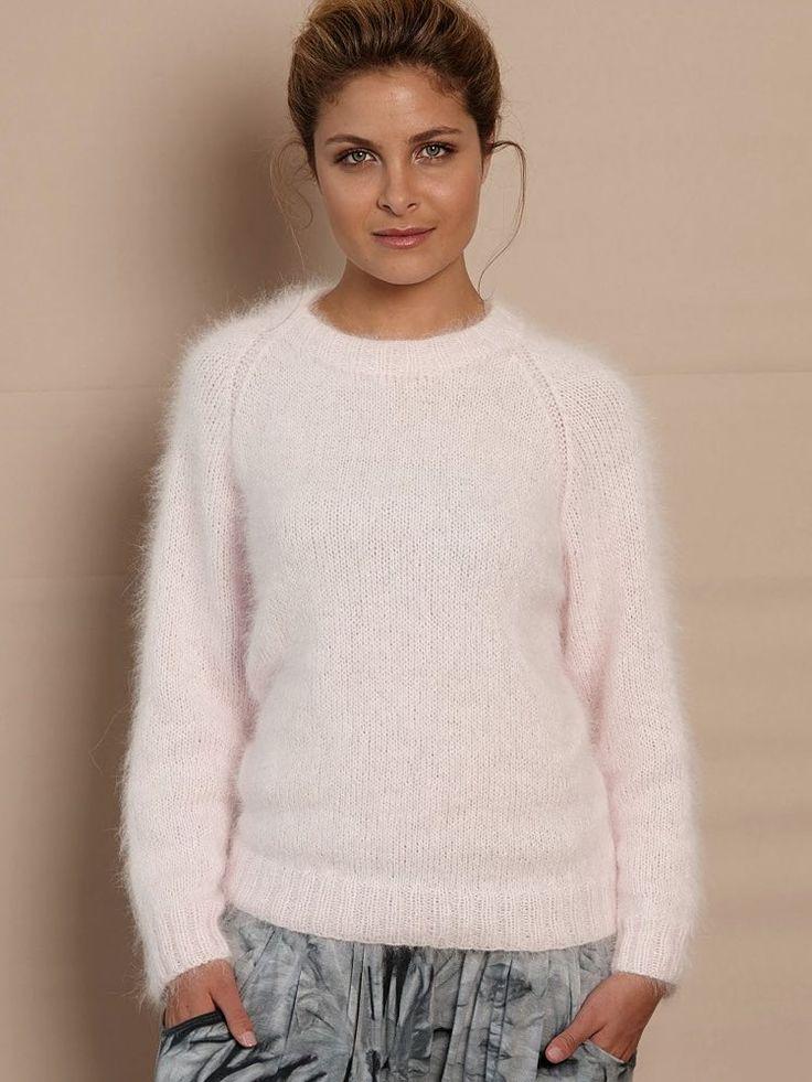 Strickanleitung für einen kuscheligen Pullover aus Angorawolle, einfacher Rundhalspullover / easy knitting tutorial for a pullover made of soft wohl via DaWanda.com