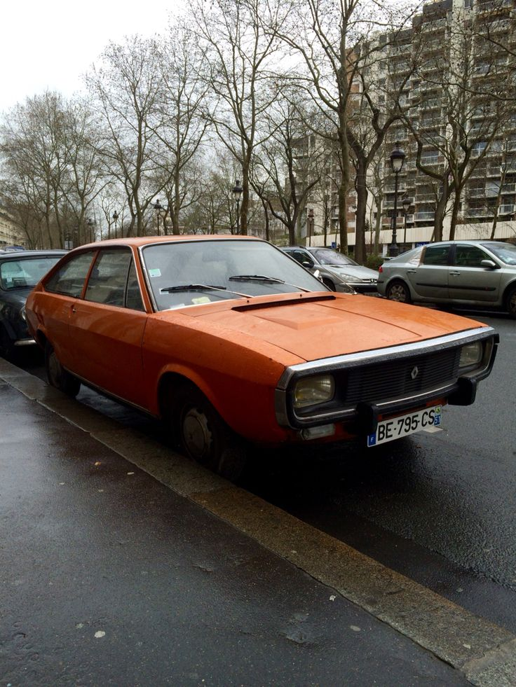 Renault 15, Paris