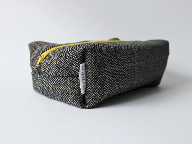 Kosmetyczka wełniana unisex w lagablotte na DaWanda.com / Wool unisex pouch on DaWanda.com