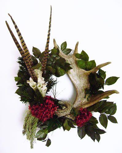 Pin by jen oakie on decor pinterest antlers wreaths for Antler christmas wreath