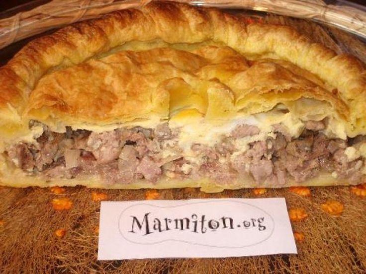 pâte, pâte feuilletée, échine de porc, veau, oignon, échalote, ail, vin blanc, oeuf, crême fraîche, Poivre, Sel