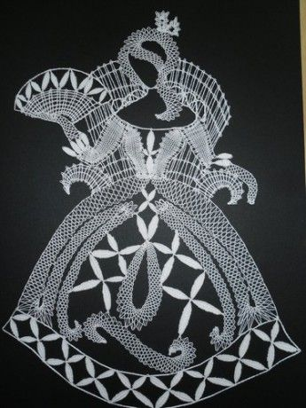 dama-na-trunu.jpg (345×460)