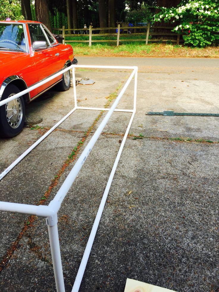 Chicken Run; light weight PVC pipe, chicken wire and zip ties. 10' x 3' x 2'…