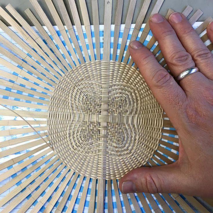 basket base in quatrefoil pattern by Tony Stubblefield