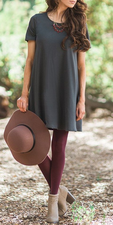 Now here's an idea: neutral + a color in surprising ways. Normally, I would have paired a burgundy top with grey leggings, but this is also pretty neat. In fact, I like grey + a color, though my greys up top are usually lighter.