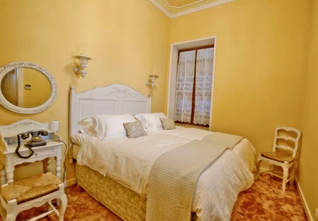 #Baroque #Suite, Anagennisis #Hotel, Pyrgos Ilias #Greece http://www.rooms-2-let.com/2966/Anagennisis_Hotel
