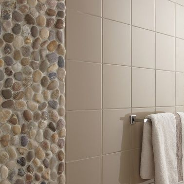 Poser des galets dans la salle de bain une déco personnelle et pas chère