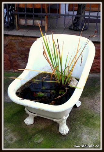 Ab einem gewissen Alter kann man zur altersgerechten Sanierung des Badezimmer eine günstige Förderung der KfW-Bank erhalten