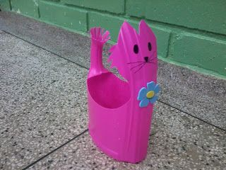 Cute recycling DIY using plastic container