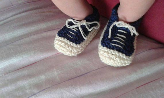 Knitting pattern: baby All Star booties 3 6 and 12 months.