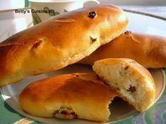 Ψωμάκια με σταφίδες